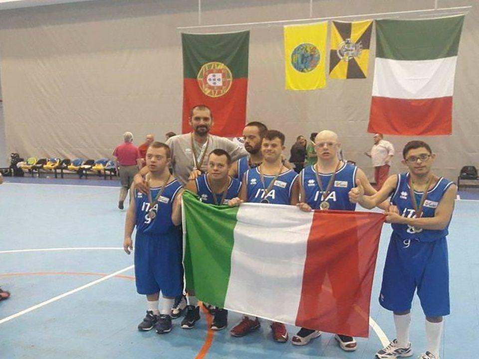 La nazionale italiana sindrome di Down trionfa agli Europei di basket associazione sportiva internazionale
